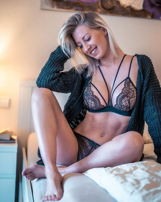 Leonie Pur Video